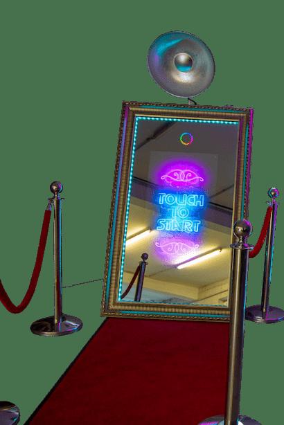 Sig-Mirror Fotobox mit rotem Teppich